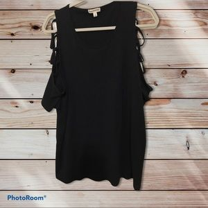 Plus size (1X) zenana outfitters top